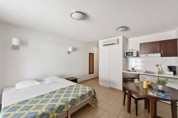 Zenitude Hôtel - Résidence TOULON SIX FOURS LES PLAGES
