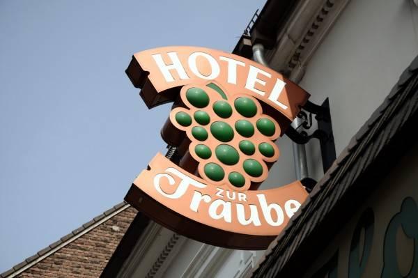 Zur Traube Garni Hotel