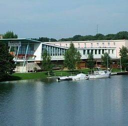 Hotel Amstel Hattyu Guesthouse