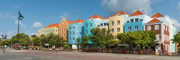 EM City Hotel