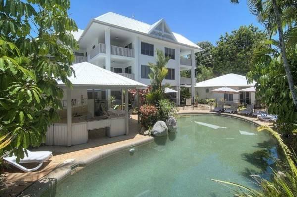 Hotel The Port Douglas Queenslander