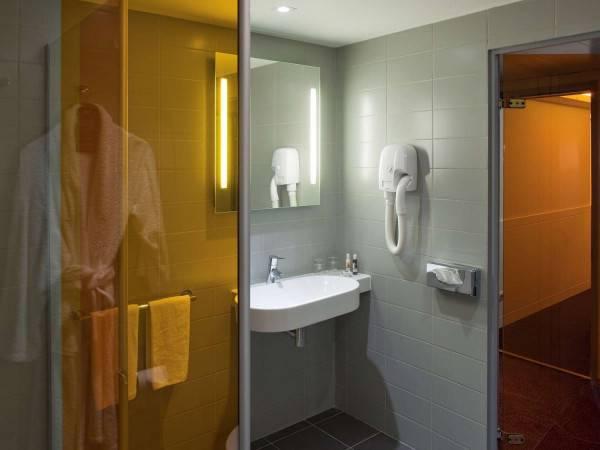 Hotel RES. MERCURE PARIS LA DEFENSE GRANDE ARCHE