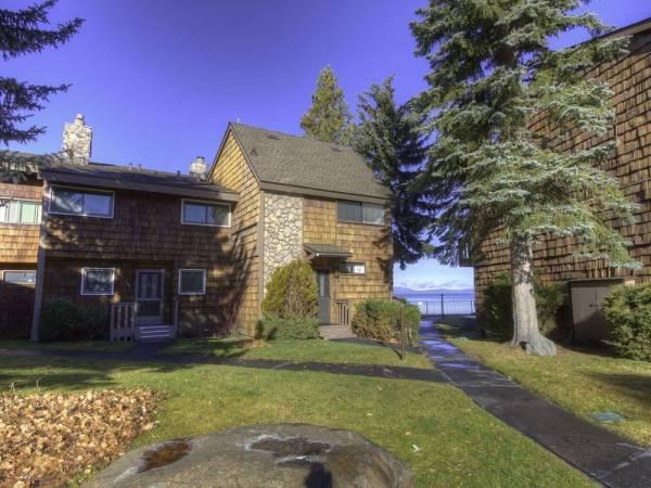 Hotel Wonderful Tahoe Keys Lakefront Home by RedAwning