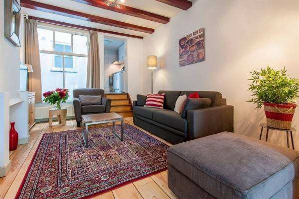 Hotel Short Stay Group Carre Apartments