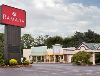 Hotel Ramada by Wyndham Wayne Fairfield Area