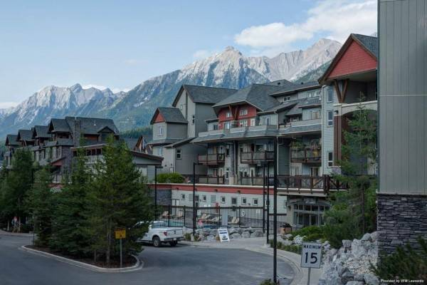 Hotel Lodges at Canmore