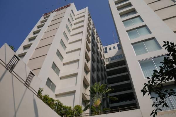 The City Hotel Sriracha