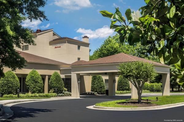 Hotel Courtyard Williamsburg Busch Gardens Area