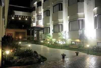 Highgates Hotel