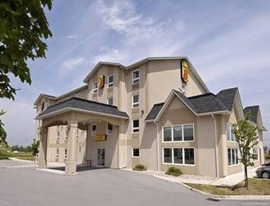 Hotel SUPER 8 GRIMSBY ONTARIO