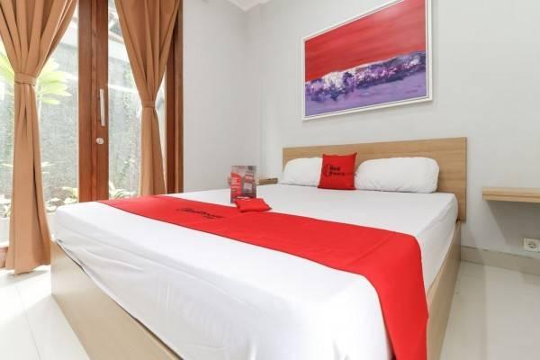 Hotel RedDoorz @ Cipete 2