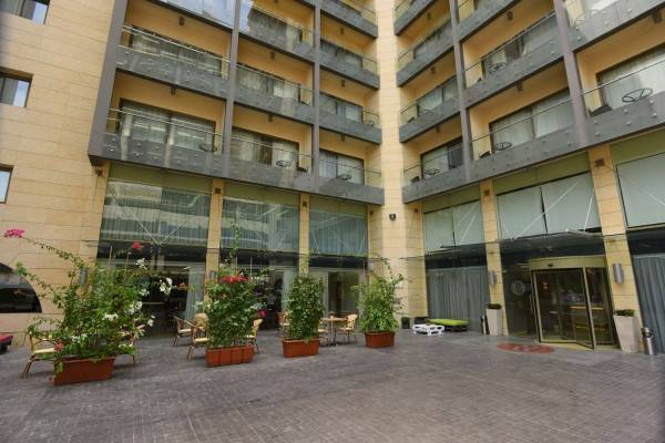 Hotel Ramada by Wyndham Downtown Beirut
