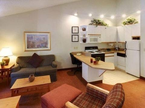 CRESTHILL SUITES HOTEL ALBANY