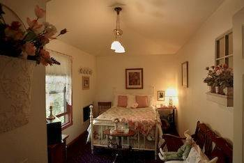 Thompson House Inn & Tea Room