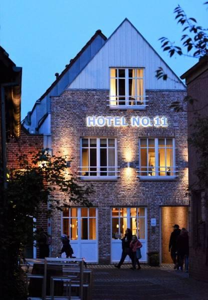 Hotel No 11 Antje Bunse