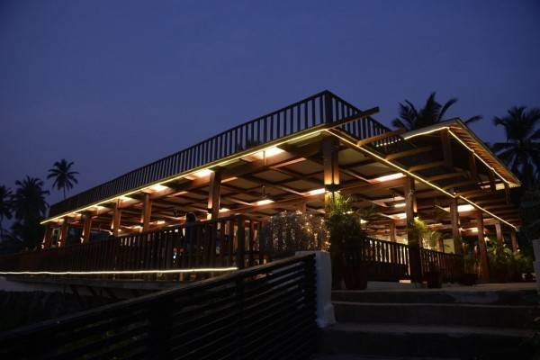 Hotel La Cabana Beach and Spa